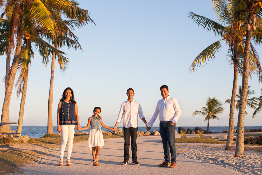 Family photo session in Coral Gables