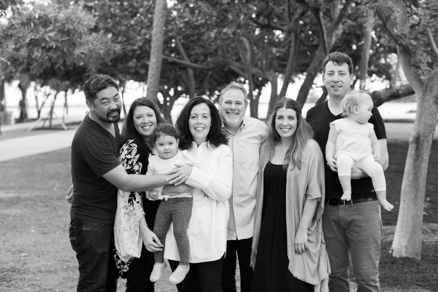 south-pointe-park-extended-family-photo-session