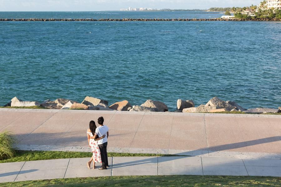 South Pointe Park Couple Sunrise Photo Shoot