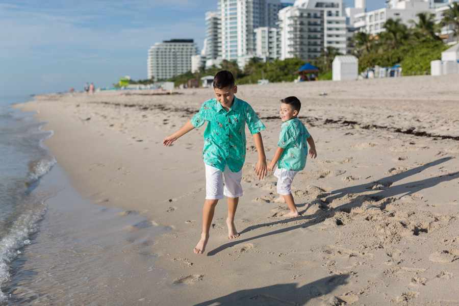 Holiday Inn Miami Beach Family Photo Session
