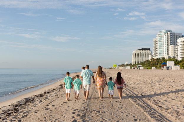 Holiday Inn Miami Beach Family Photo Session
