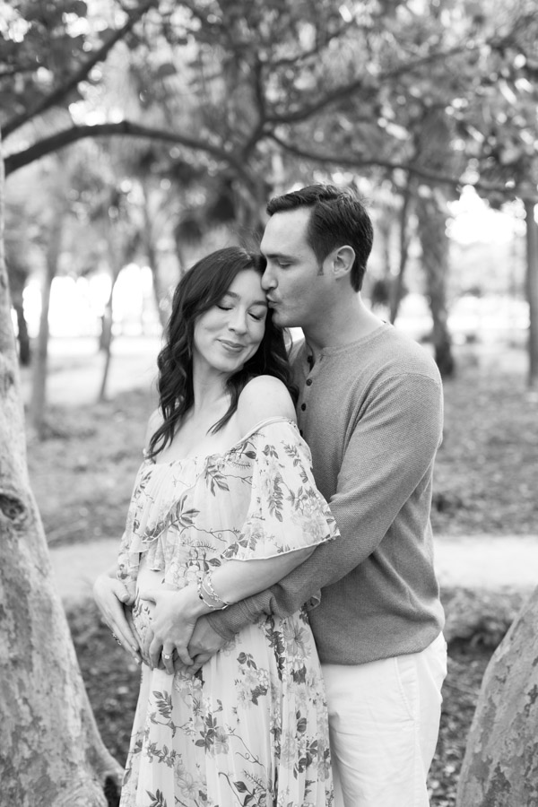 Maternity photos black and white