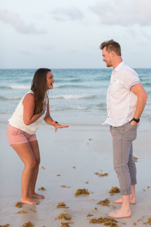 girlfriend reacts to boyfriends proposal on beach
