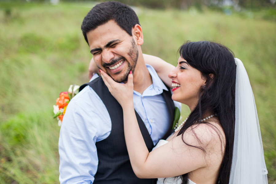 couple laughing par