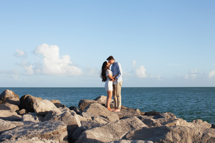 couple engagement bill baggs state park